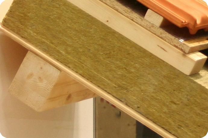 Kom meer te weten over dakkapel isoleren op Dakkapel-Web: www.dakkapel-web.nl/dakkapel-opties/dakkapel-isoleren